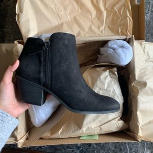 NEW FRYE BOOTIES SIZE 9 BLACK SUEDE LEATHER ANKLE